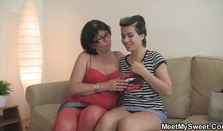 Sentado sobre una latinas desnudas culonas polla